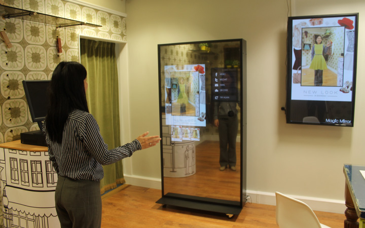 Gesture recognition to interact with Magic Mirror
